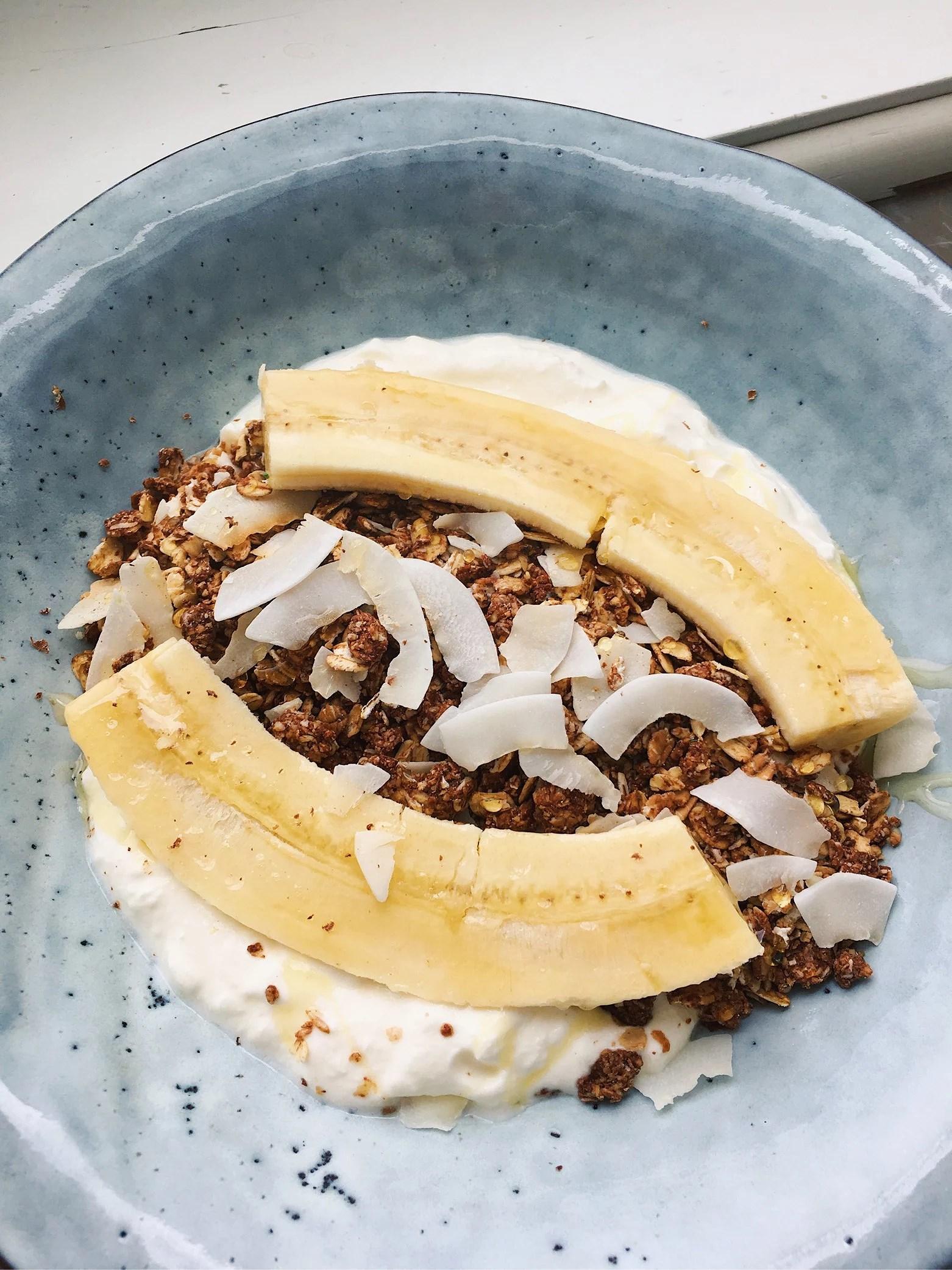 Banana split bowl