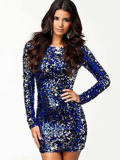 Blå glittrig klänning 69b49aa3746bc