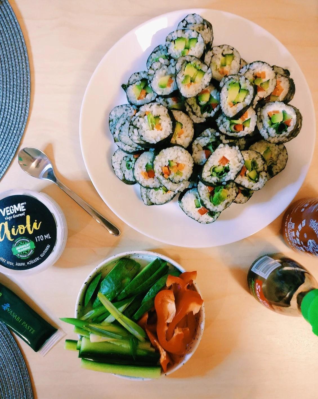 Valentines = Sushi