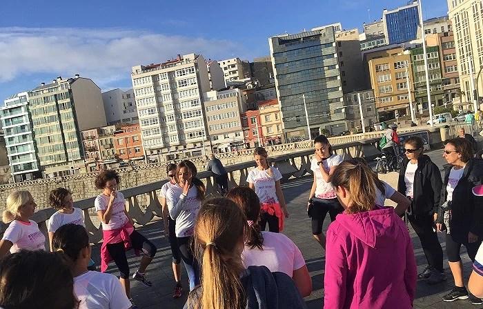 Paula Butragueño en el entrenamiento de la carrera de la mujer