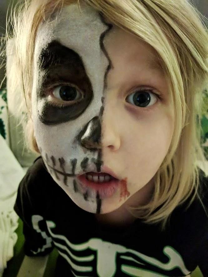 Laskiga Halloween Sminkningar.Sminkning Till Halloween