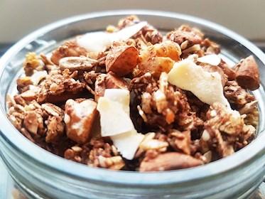 Granola musli med nötter, kokos och havregryn