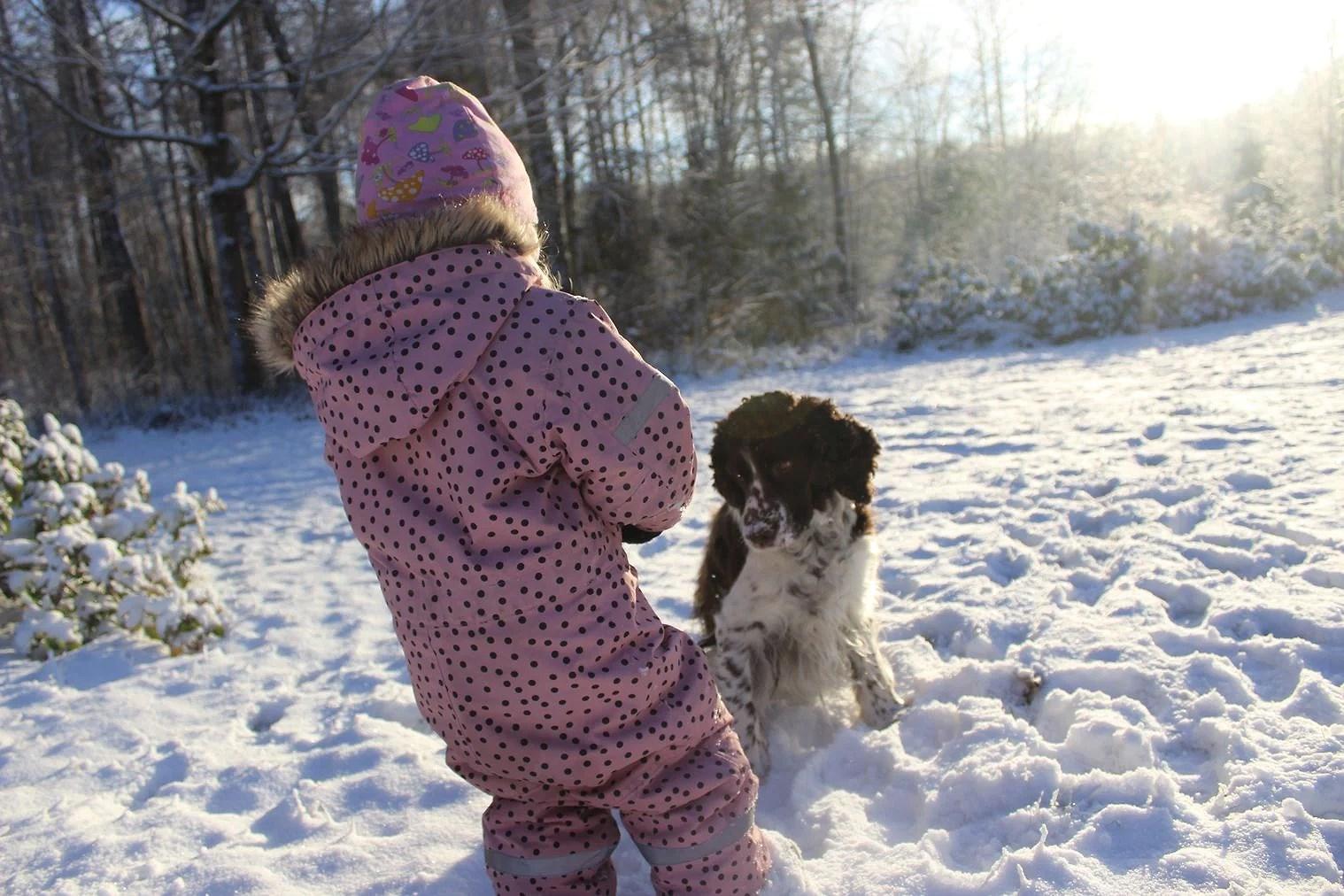 Ute lek i snön