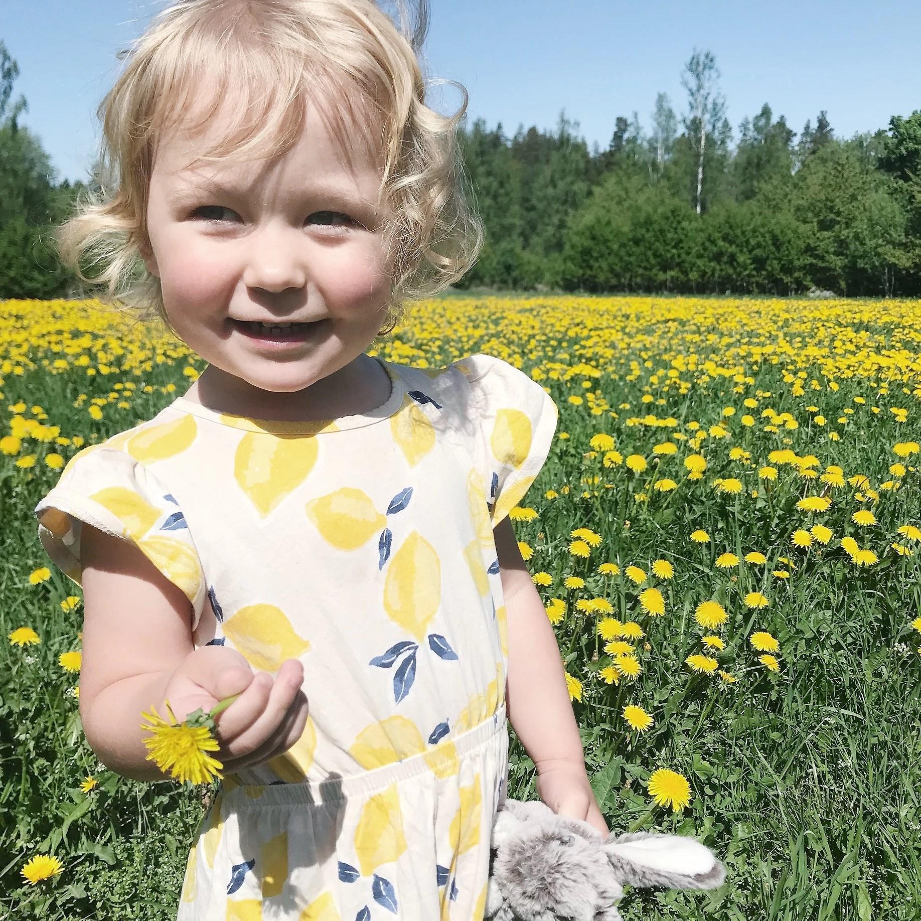 Alicia 2 år och 8 månader