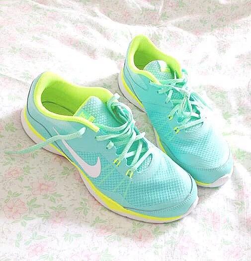Turquoise Nike Free Run