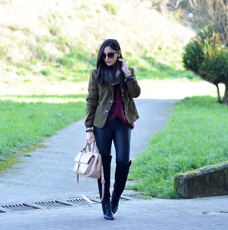 Zara_ootd_verde oliva_botas_altas_burdeos_chicwish_outfit_05