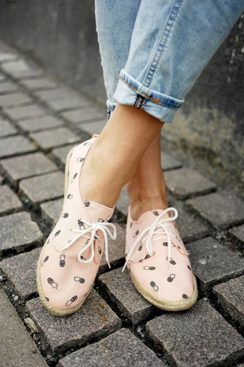 Mitä tehdä kengille, jotka eivät suostu sopeutumaan jalkoihini?