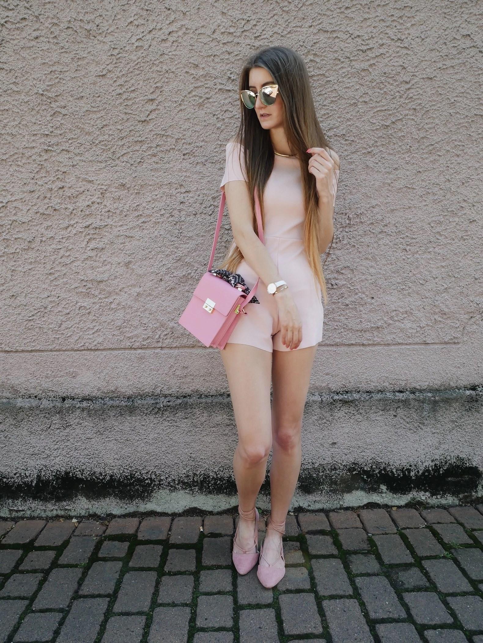 OOTD krótki pudrowo różowy kombinezon ZARA