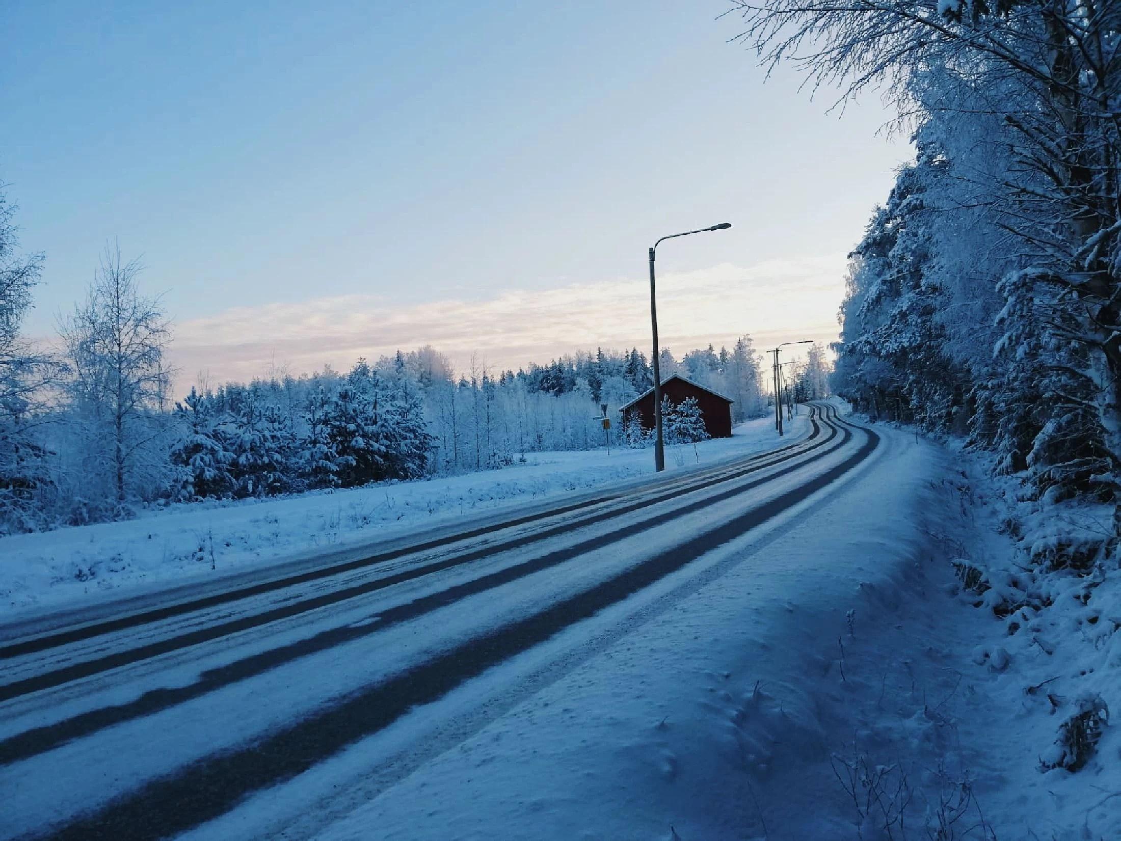 UUSI PONITUTTAVUUS, PELOTTAVA L-PÄÄTY