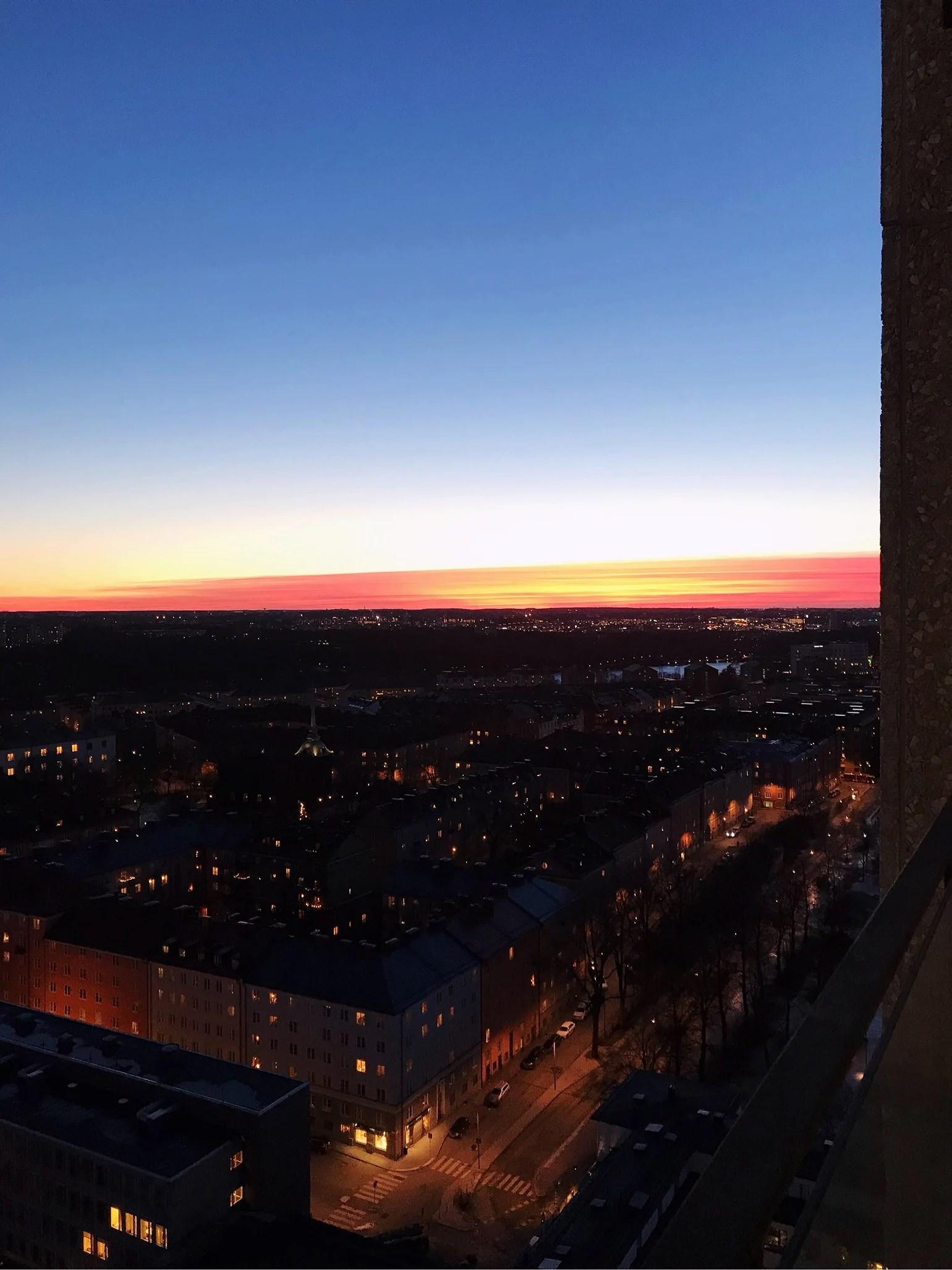 EN FREDAGKVÄLL I STOCKHOLM