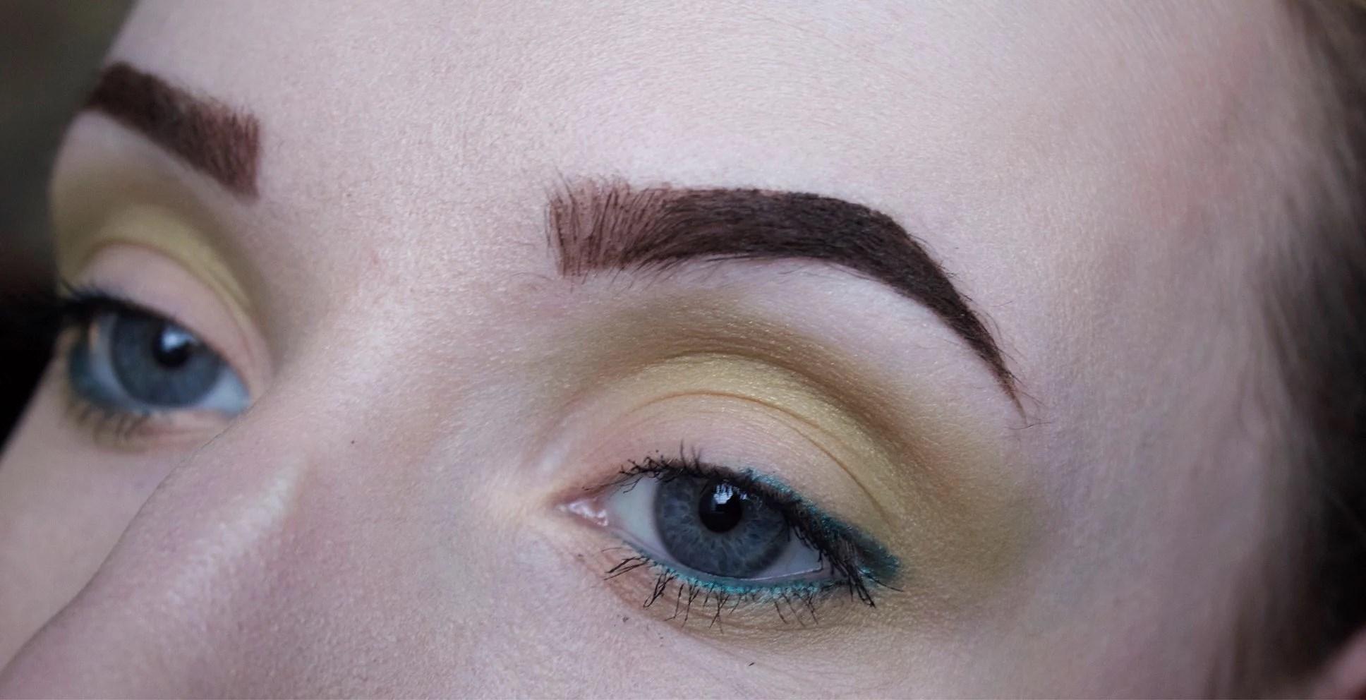 Makeup look: simply green