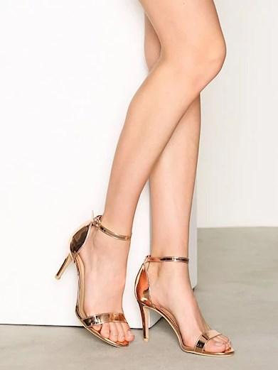 Guldiga skor från Nelly