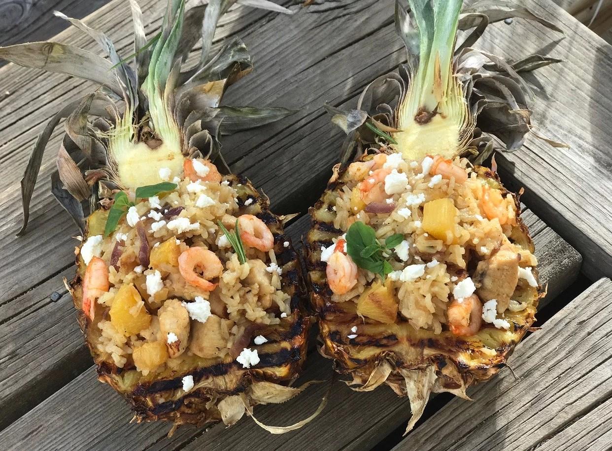 Pineapple dinner boat