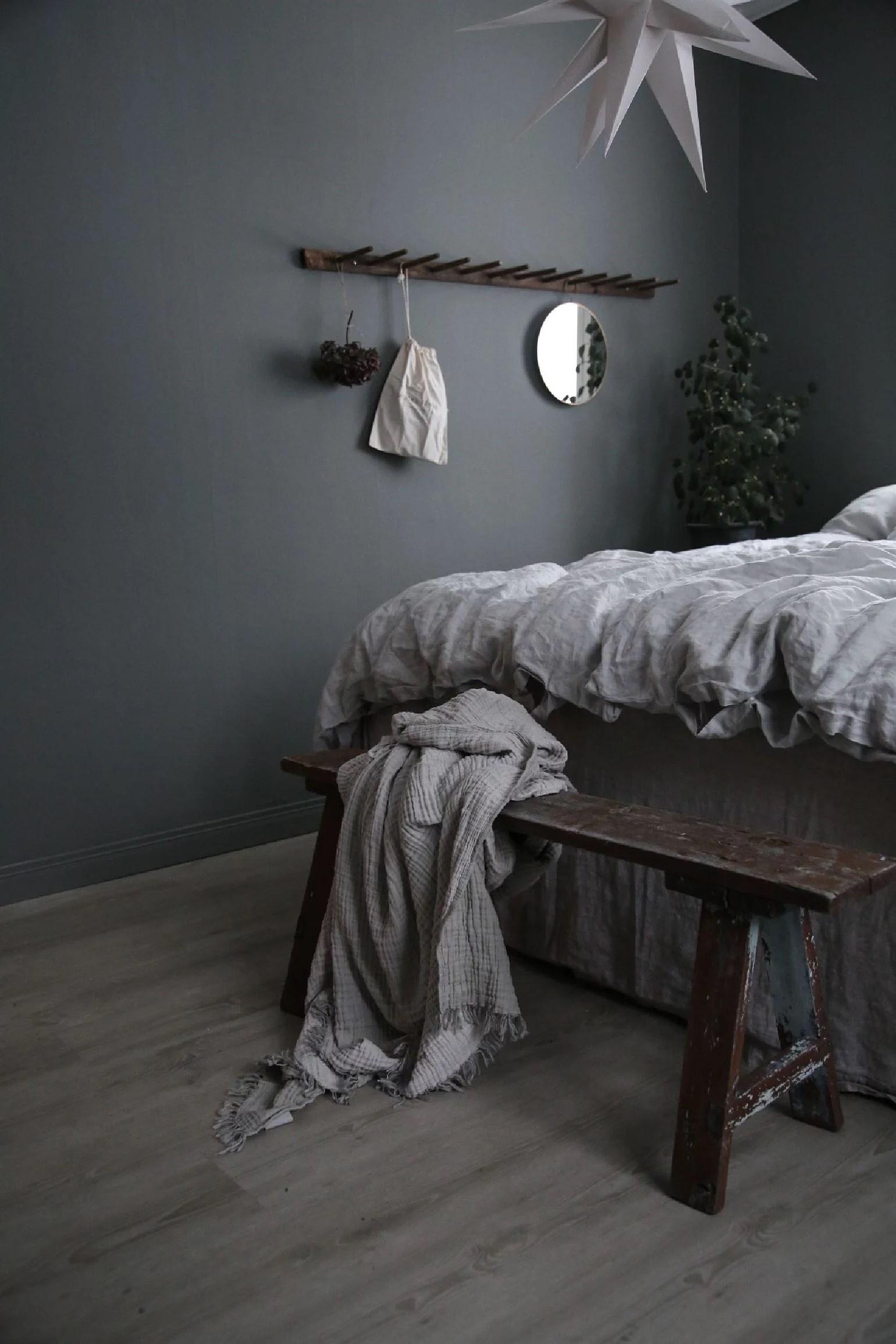 Träbänk och hudvård, perfect match