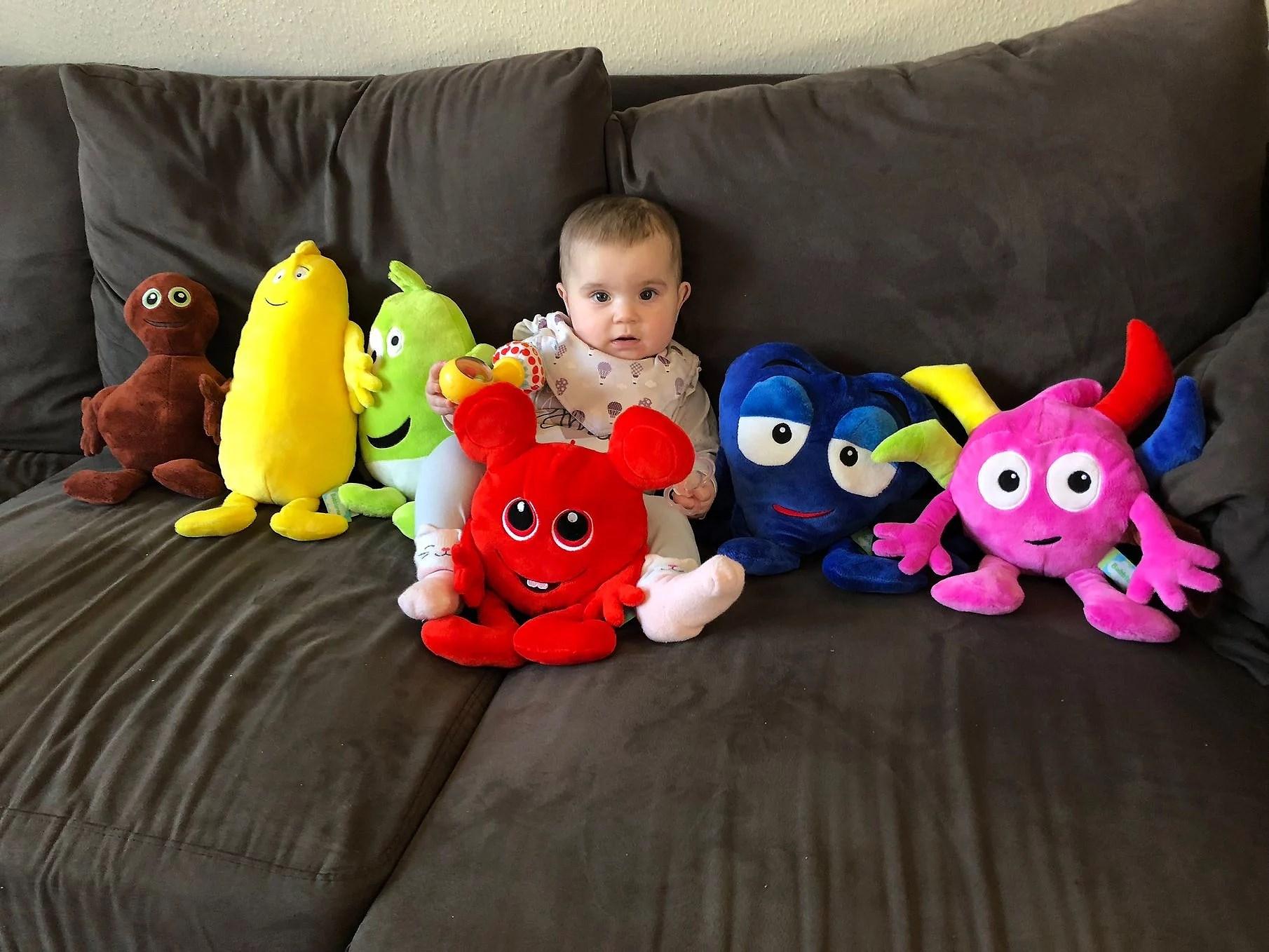 Marcus skämmer bort vår dotter!