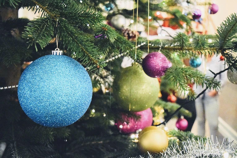 Christmas tree decoration + School Choir