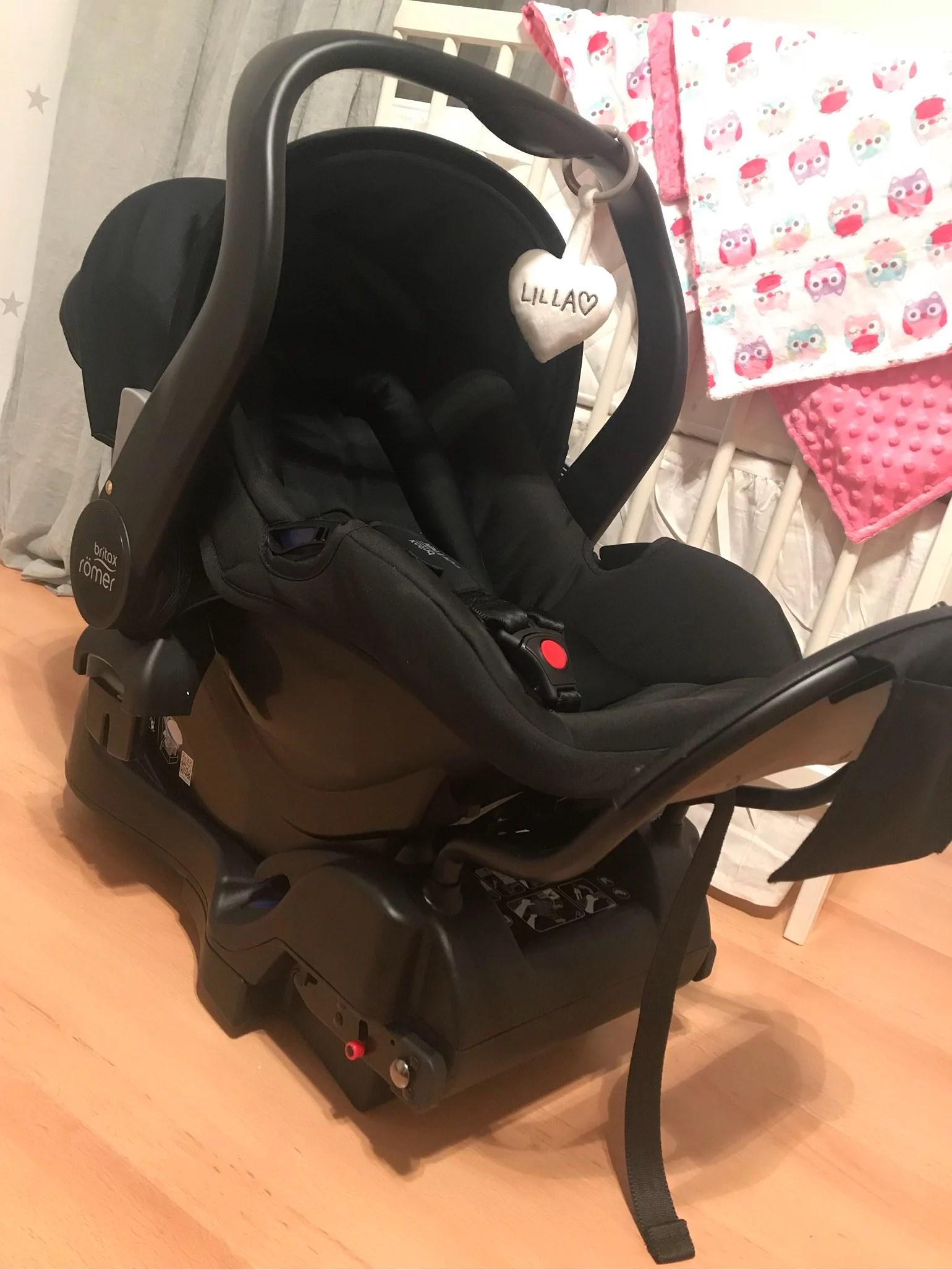 Barnvagn och babyskydd