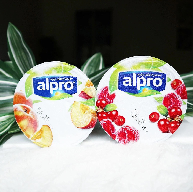 Alpro soygurt i liten förpackning - Persika och Hallon/tranbär