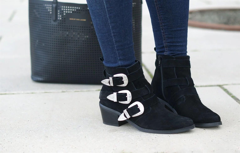Modeblog, Dansk modeblogger, Dansk modeblog, It's My Passions, Julie Mænnchen, Asos, Asos sort støvle, Asos støvle med spænder, Aalborg modeblogger