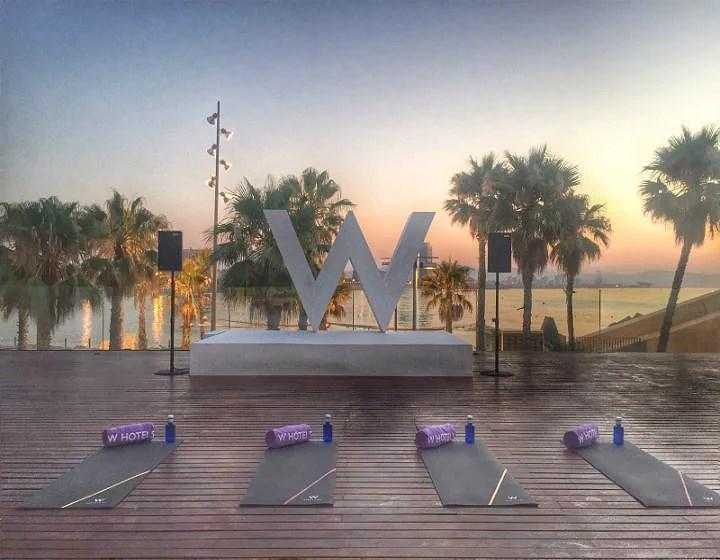 Amanecer haciendo Yoga