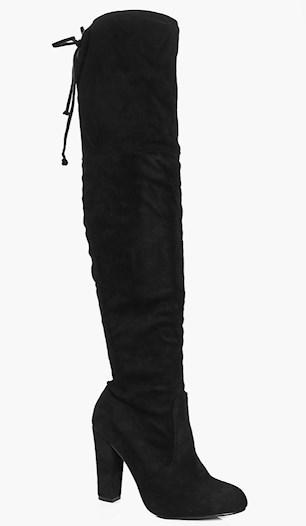 Höga svarta klackskor