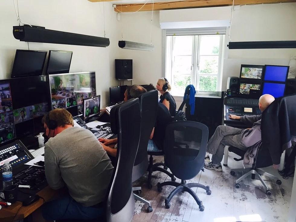 Her er så hele holdet, der sørger for at der kommer godt Tv ud af skærmen.