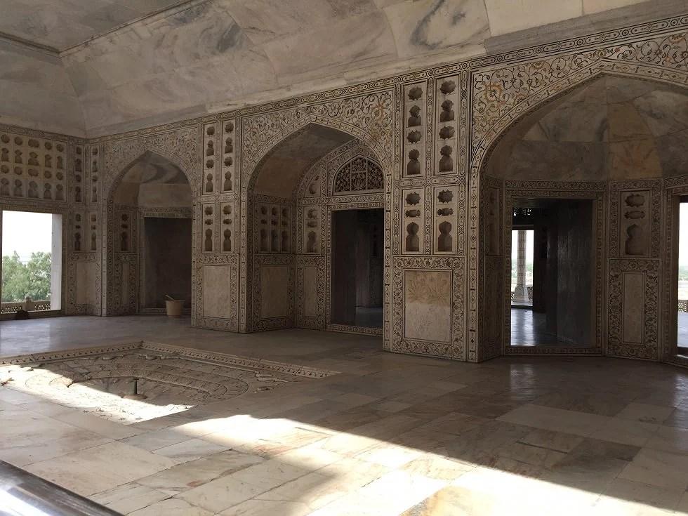I disse lokaler har Shah Jahan siddet i husarrest.