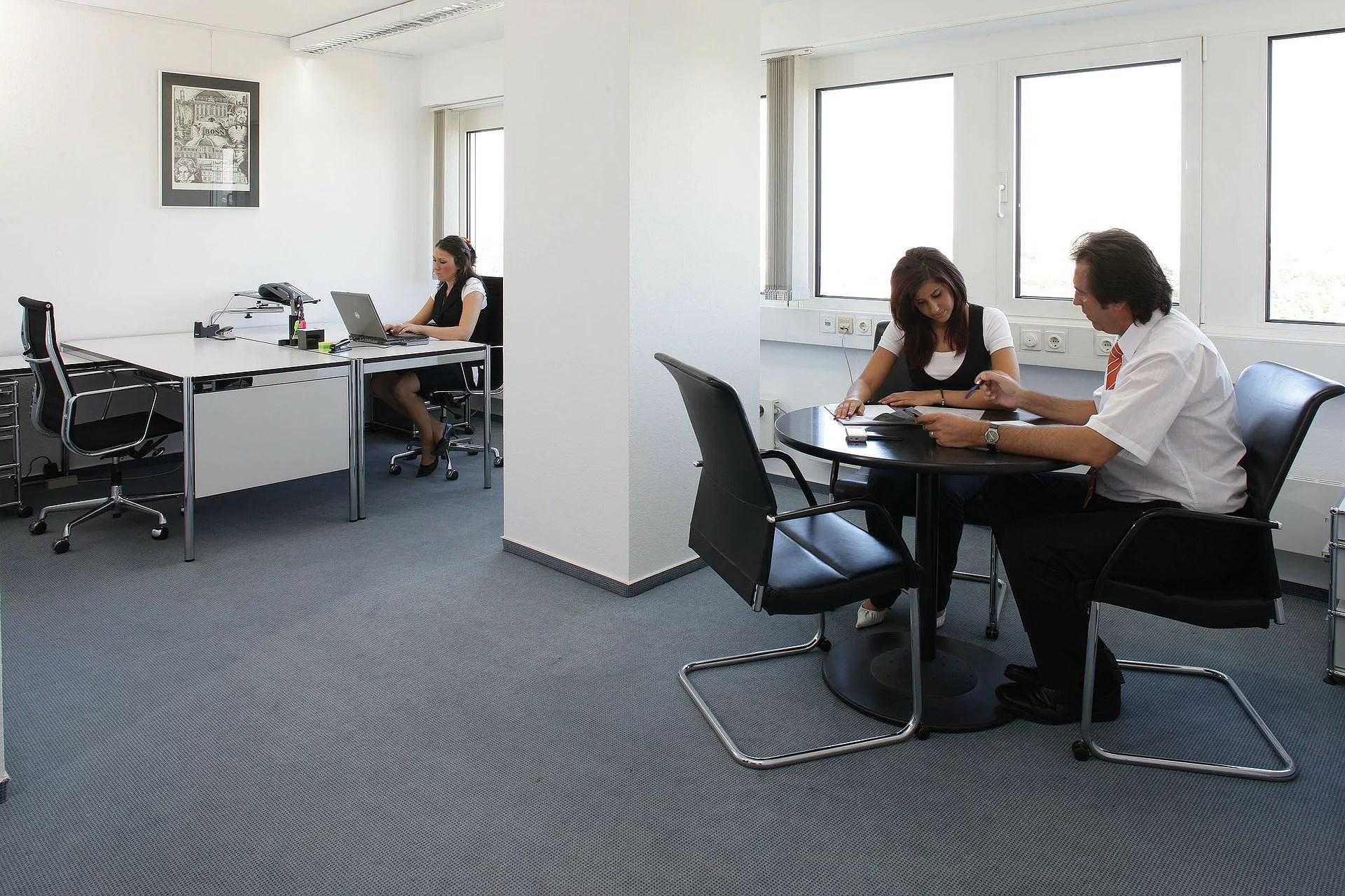 Fördelar med att köpa kontorsmöbler second hand