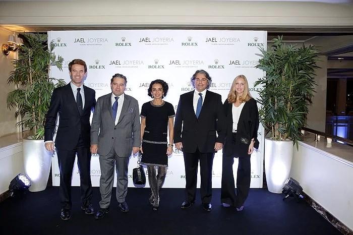 Equipo de Rolex y Jael Joyería