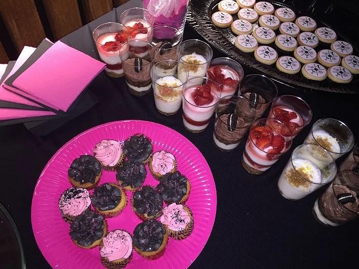 Biscuits y cupcakes para degustar en el evento solidario de Manhattan To Barcelona con causa benéfica a favor de Mencía