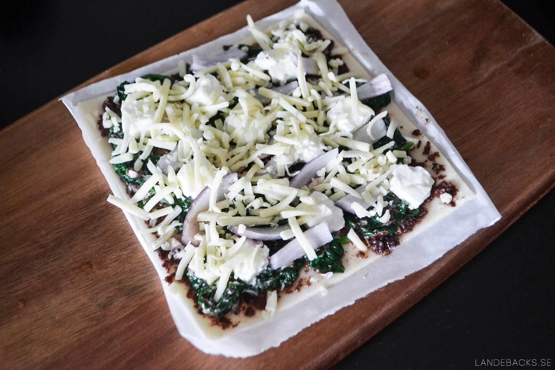 Spenat smördegspizza